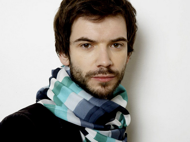 http://hipparis.com/wp-content/uploads/2010/03/handsome-french-man.jpg (It's just the URL, not necessarily my personal opinion)